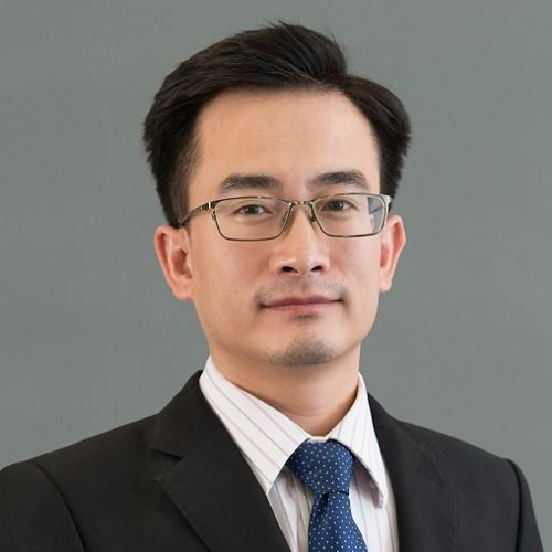 Long Pham (Director of EY Vietnam)