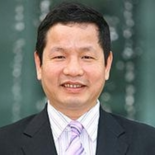 Binh Truong Gia (Chairman and CEO of FPT Vietnam)